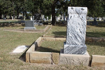 """Note the fenced-in plot:  Mary Martin, best known as """"Peter Pan"""", is buried there."""