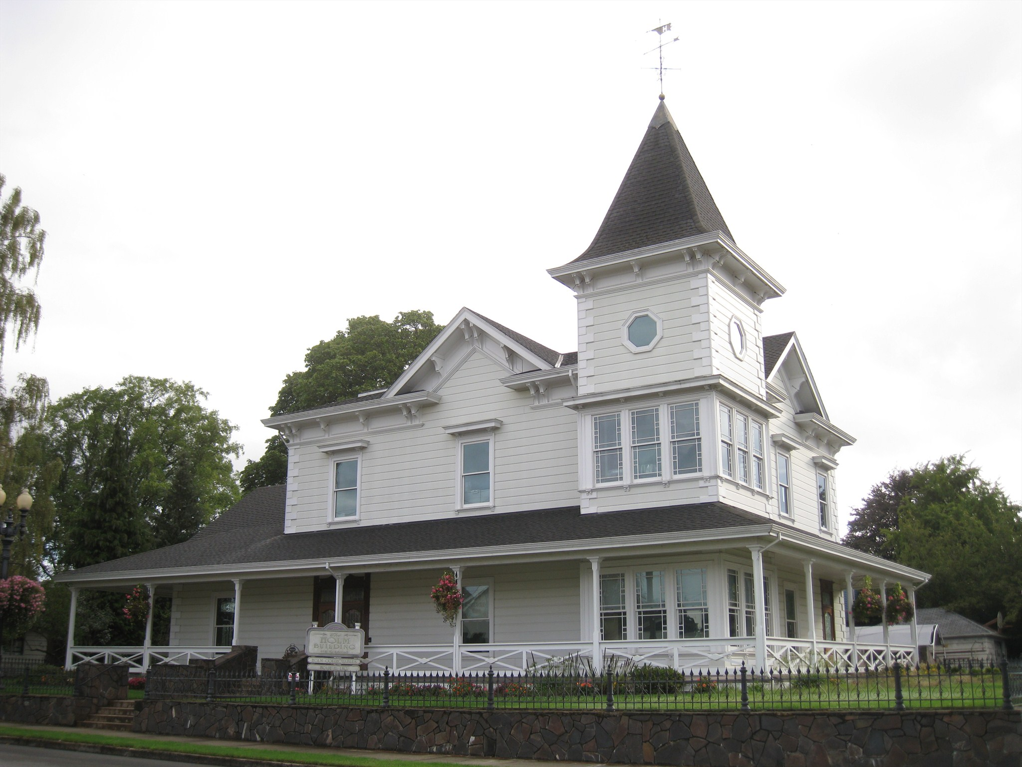 Holm building stayton oregon victorian houses on for Building a victorian house