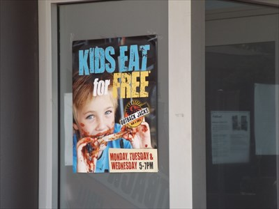 Uncropped photo for the Kids Eat Free deal Monday to Wednesday from 5 to 7pm.31/1/2016