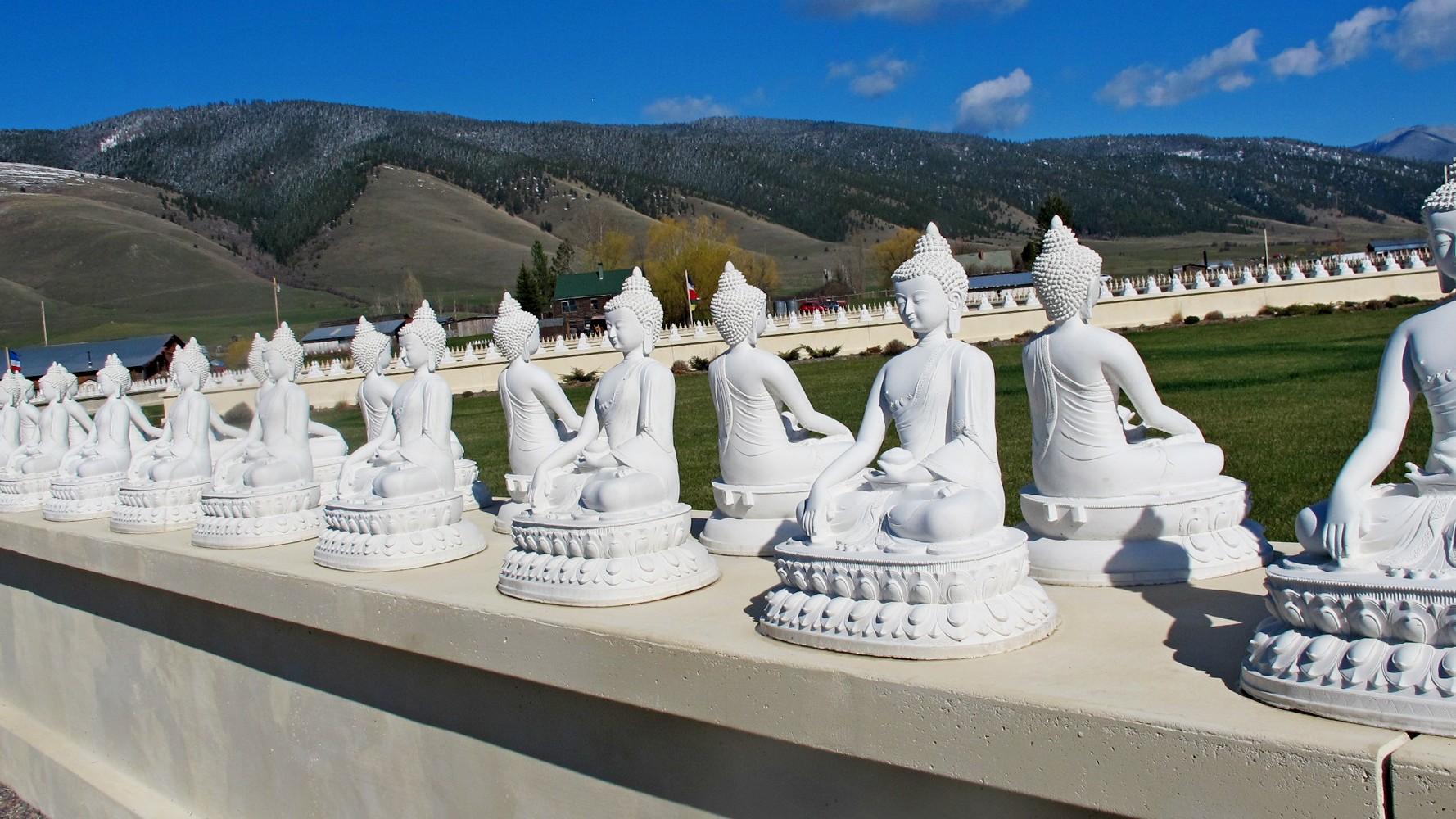Garden of one thousand buddhas arlee mt buddhist temples and public shrines on Garden of one thousand buddhas