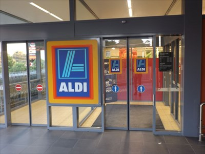 Entry to the ALDI store. PLENTY of trolleys.