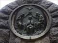 Image for Paloma de pau sobre relleu de bronze - Lluc, Islas Baleares, España