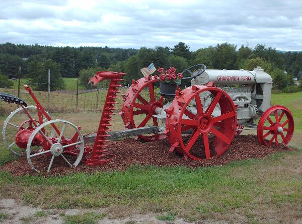 Old Tractor Steel Wheels : Fordson tractor grandview farm milford nh old