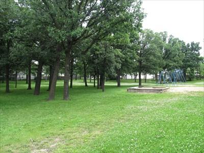 Reynolds Bay Park - Winnipeg, Manitoba - Municipal Parks and