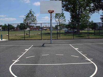 Basketball Courts @ Bill Gambrel Field   Philadelphia, PA   Outdoor  Basketball Courts On Waymarking.com