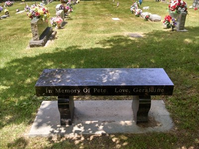 Pete dedicated bench, by MountainWoods