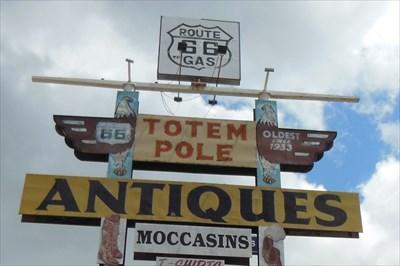 Rolla, Missouri: Totem Pole Trading Post
