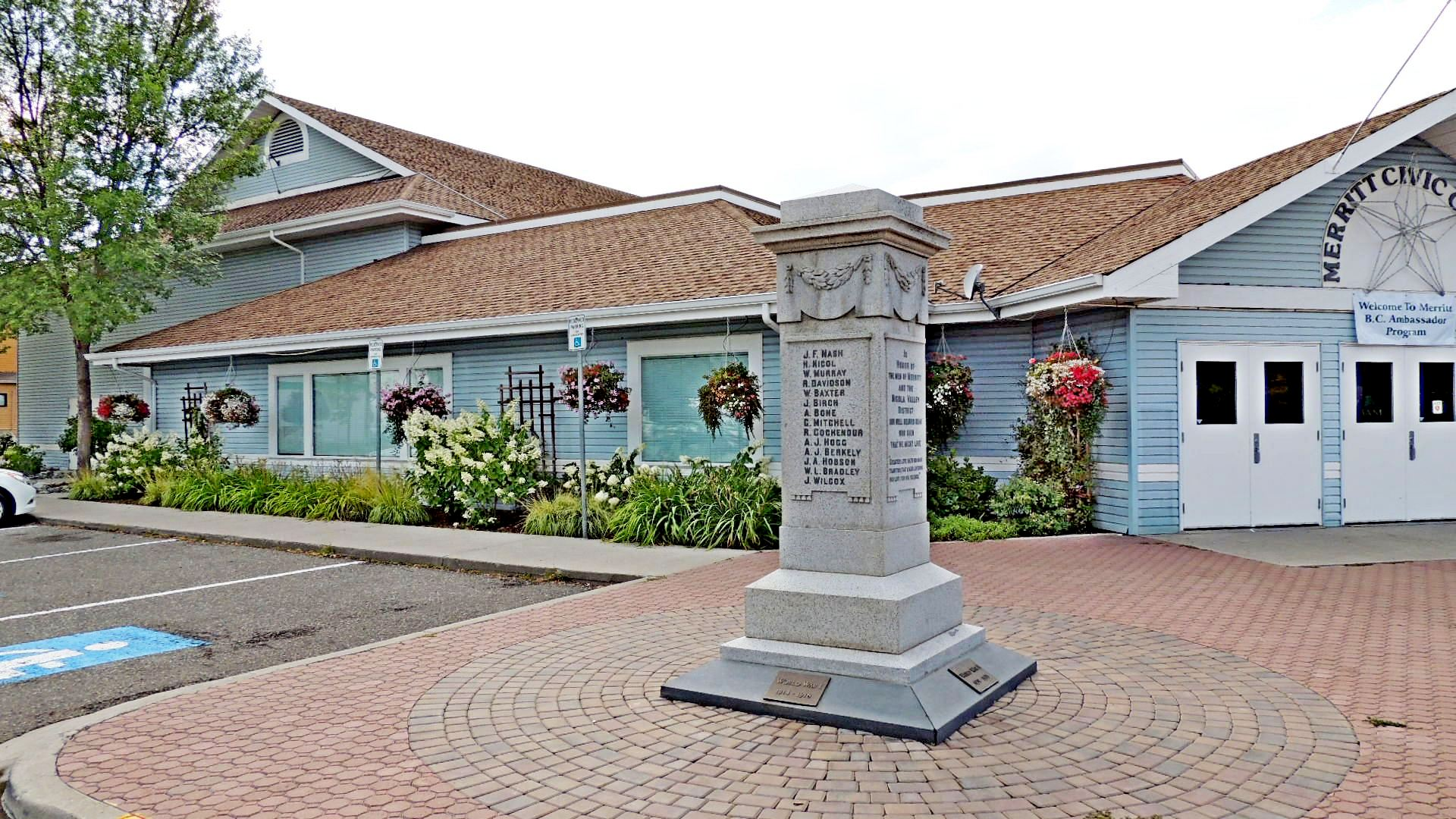 Merritt (BC) Canada  City pictures : Merritt Cenotaph Merritt, BC Canadian Legion Memorials Cairns and ...