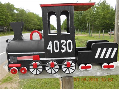 Le train noir sur le rang ST-Mathieu.  The black train on the ST-Mathieu rank.