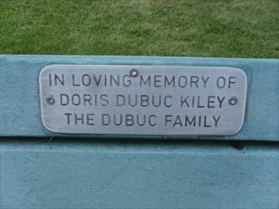 Plaque explicative de la Famille Dubuc pour Doris Dubuc Kiley