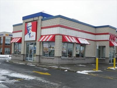 Central St., Montréal, 514-388-9486 - BCBG