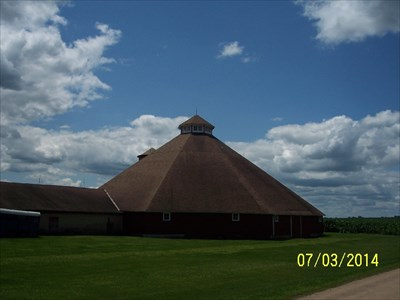 Octagon Barn, by MountainWoods.