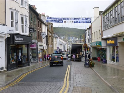 Lord Abercrombie visited Pound Land, Great Darkgate Street, Aberystwyth, Ceredigion, Wales, UK