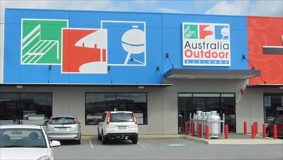 outdoor recreation store