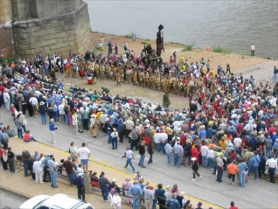 Looking northeast and down on the statue and the gathering to celebrate the 200th anniversary of Lewis and Clark's return, to dedicate the statue, and to dedicate the commemorative disk.