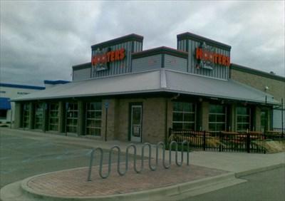 Hooters Saginaw Mi Hooters Restaurants On Waymarkingcom