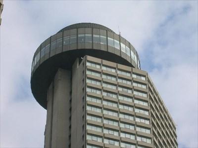 Lighthouse restaurant toronto revolving restaurants on for 1 harbour square 38th floor toronto on m5j 1a6