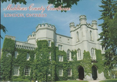 The front of the postcard showing the courthouse.