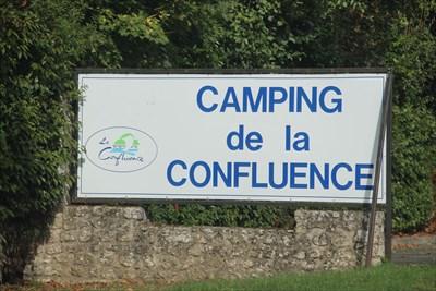 Le camping de Savonnières se trouve à l'entrée du bourg en venant de Tours