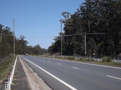 Looking west at the Arboreal Crossing, over 4 lanes. 1025, Sunday, 23 September, 2018
