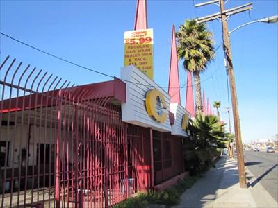 Lennox Car Wash, Pane 1, Inglewood, California