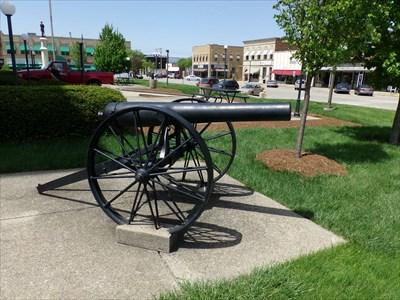 veritas vita visited Civil War Cannon - Lincoln, IL