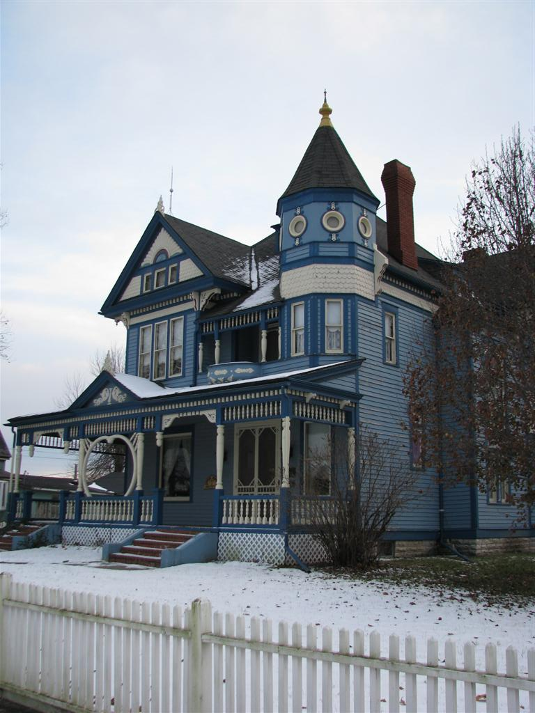 The A Taylor Ray House Is Significant As Finest Example Of Free Classic Mode Queen Anne Revival In Town Gallatin Missouri