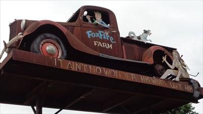 Rusty Pickup Truck - Art Vehicle