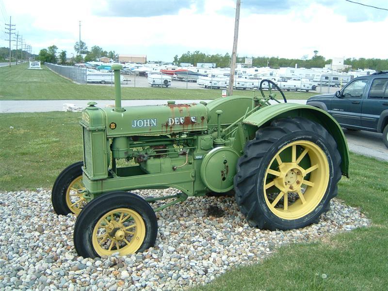 Old John Deere Tractors : Tractor news and pictures john deere antique tractors