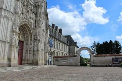 Abbaye de Saint-Riquier - Saint-Riquier, France - Abbeys