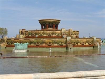veritas vita visited Buckingham Fountain in Chicago