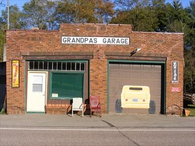 grandpa's garage door art - pine river, wi - garage door art on