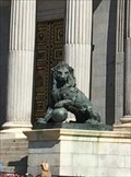Image for La Curiosa Historia de los Leones del Congreso - Madrid, Spain