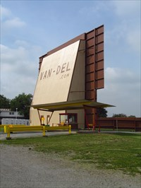 Van del drive in middle point oh