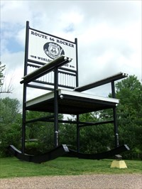 Strange Worlds Largest Rocking Chair Route 66 Fanning Missouri Alphanode Cool Chair Designs And Ideas Alphanodeonline