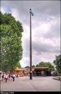 Image for Queen's Elisabeth II Silver Jubilee Flagpole - Jubilee Gardens (London, UK)