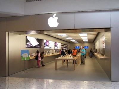 Apple Store at Briarwood Mall, Michigan