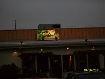 olive garden fort wayne in neon signs on