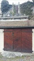 Image for La porte qui donne sur le toit - Monistrol d'Allier, Auvergne Rhône Alpes