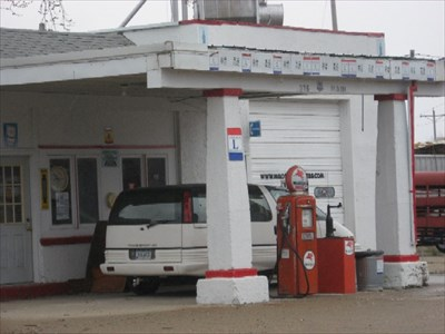 Mobil Gas Station, Grand Junction, IA - Vintage Gas Stations
