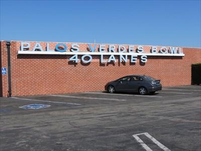 Palos Verdes Bowl Building and Sign, Torrance, California
