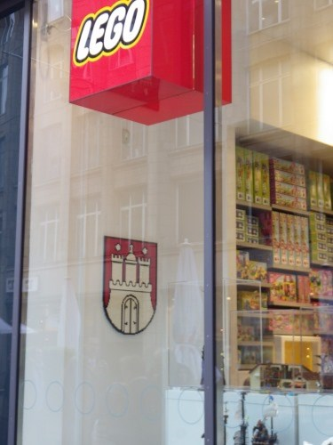 CA* visited Hamburg-Wappen im LEGO-Store