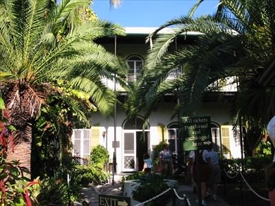 Florida Keys Scenic Highway - Hemingways House.