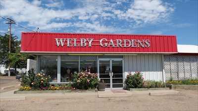 Welby gardens flower shop denver co greenhouses and for Welby gardens