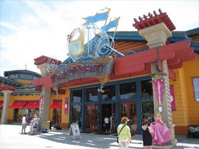 Downtown Disney Orlando Shopping Hours