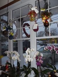 Arrangements et cadeaux de la boutique fleuriste Sophie.  Arrangements and Gifts Sophie florist shop
