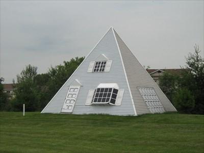 Pyramid House Cornwall Ontario Canada Pyramids On