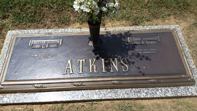 Chet Atkins Harpeth Hills Tn Grave Of A Famous Person On