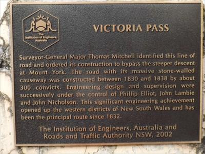 The Institution of Engineers Australia plaque on the Mitchells Ridge 'Trig' memorial column. 1728, Sunday, 3 October, 2016