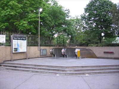 Station de m tro rond point du prado marseille france the underground on - Monoprix rond point du prado ...